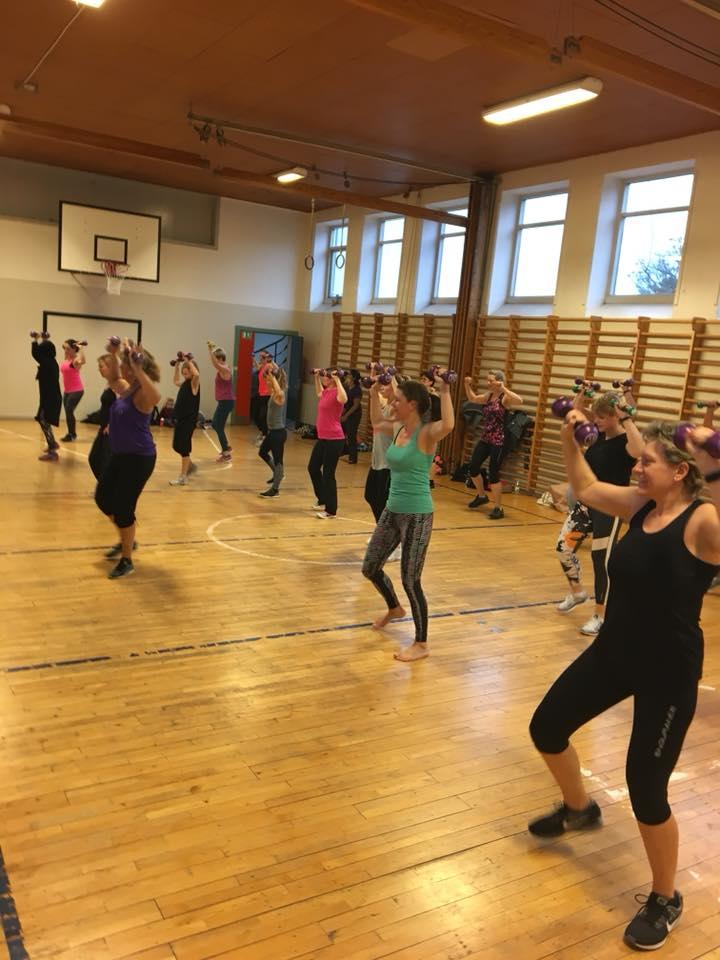Vi danser Zumba i Holbæk